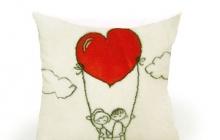 Подушка на шаре