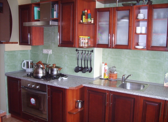 Кухня массив ольхи фреза квадрат